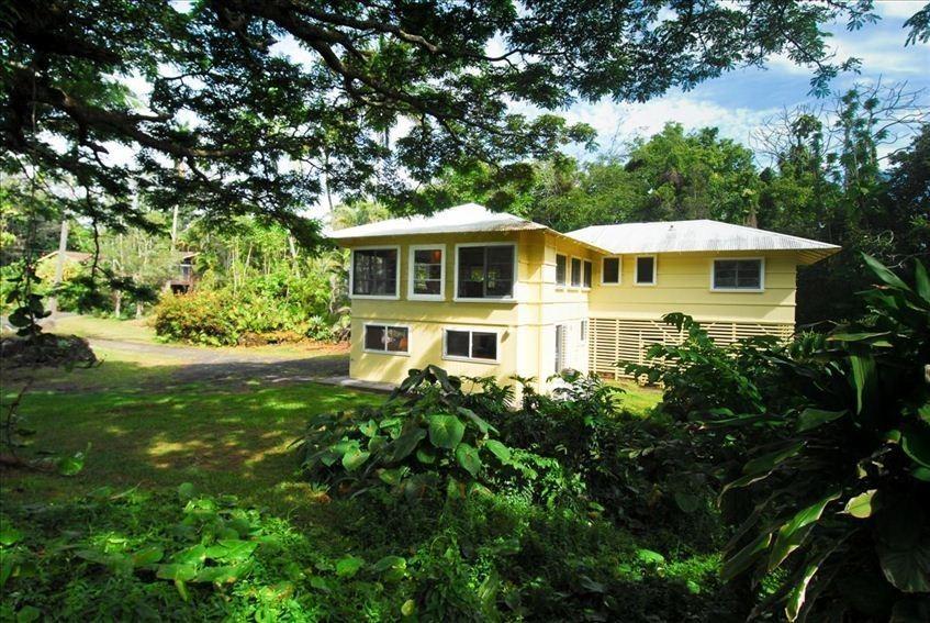 Lilikoi house - Hilo Hawaii at Richardson's Beach Park